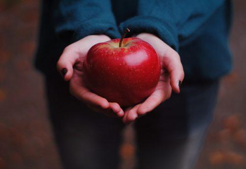 Приворот на яблоко на мужчину